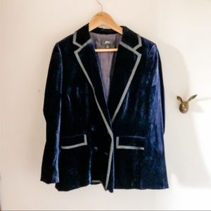 JCrew navy blazer with contrasting piping